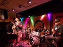John Cruz Jams mit Band auf Stadium Stockfoto