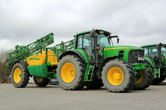 John Deere 7530 Agricultural Tractor and 732i Trailed Sprayer Royalty Free Stock Photo