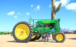 USA: Antique Tractor - John Deere 1940 G Stock Photo