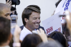 John Edwards amongst Reporters. WEST HOLLYWOOD, CA - AUGUST 9:  Presidential Candidate, John Edwards speaking at a Small Change for Big Change fund raising event Royalty Free Stock Photos
