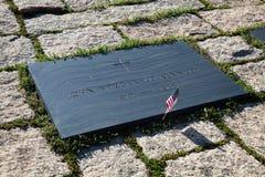 John F Kennedy Gravestone på Washington Memorial, Arlington Ceme royaltyfria foton
