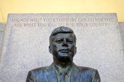 John F Kennedy Memorial bei Kennedy Plaza Stockfotos