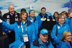 John Furlong y voluntarios olímpicos Imagenes de archivo
