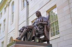 John Harvard Statue à l'Université d'Harvard, Boston, Etats-Unis Photo libre de droits