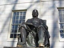 John Harvard Statue Harvard gård, Cambridge, Massachusetts, USA Arkivfoto