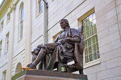 John Harvard Statue na Universidade de Harvard, Boston, EUA Foto de Stock Royalty Free