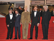 John Hurt u. Slimane Dazi u. Tom Hiddleston u. Jim Jarmusch u. Tilda Swinton lizenzfreies stockfoto