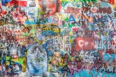 John Lennon ściana, Praga, republika czech Graffiti tło Obraz Stock