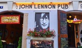 John Lennon-bar stock foto's