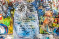 John Lennon Wall, Prague, République Tchèque Fond de graffiti Photographie stock libre de droits