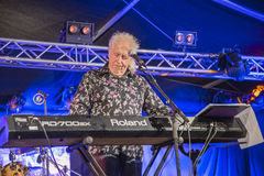 John Mayall que juega el teclado Imagenes de archivo