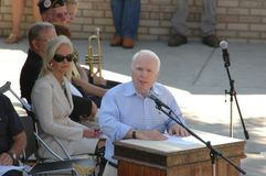 John McCain al podio Immagine Stock