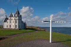 John O' Groats Hotel en nieuw voorziet van wegwijzers royalty-vrije stock fotografie