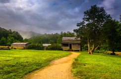 The John Oliver Cabin on a foggy morning at Cade's Cove, Great S. Moky Mountains National Park, Tennessee Royalty Free Stock Photography
