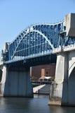 John Ross Bridge på marknadsgatan i Chattanooga, Tennessee Arkivfoton