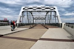 John Seigenthaler Pedestrian Bridge a Nashville Tennessee immagini stock