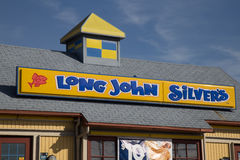 John Silvers Restaurant Sign y logotipo largos Fotografía de archivo libre de regalías