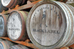 Johnnie Walker Black Label Whisky Barrel-Stapel Lizenzfreie Stockfotos