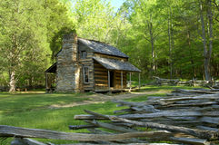 Johns Olivers kabin i den Cades lilla viken av Great Smoky Mountains, Tennessee, USA Royaltyfri Foto