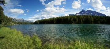 Johnson湖在班夫国家公园 库存图片