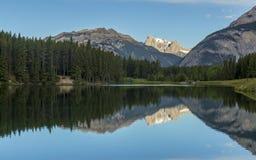 Johnson jeziora - Banff park narodowy, Kanada Obrazy Stock