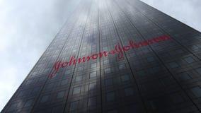 Johnson `` s-logo på reflekterande moln för en skyskrapafasad Redaktörs- 3D ` för tolkning, Royaltyfri Foto