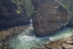 Johnston Canyon, abaixa quedas imagem de stock royalty free