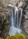Johnston Canyon Falls superior Imagenes de archivo