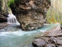 Johnston Canyon Trail, ober und niedriger Fälle, Nationalpark Banffs, Kanadier Rocky Mountains, Alberta, Kanada lizenzfreies stockfoto