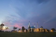 JOHOR BAHRU,Malaysia- 19 October 2017 : The Long Exposure Pictur. E Of Sultan Iskandar mosque With The Golden Sunset As A Background Stock Photos
