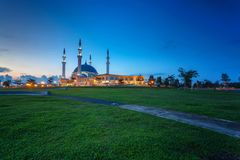 Johor Bahru, Malaysia - October 10 2017 : Mosque of Sultan Iskan. Dar view during blue hour, Mosque Of Sultan Iskandar located at Bandar Dato Onn Royalty Free Stock Images