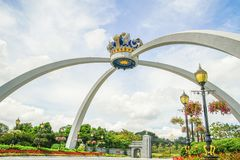 JOHOR, MALAYSIA - 10. APRIL 2017: Königliche Krone von Johor-Replik pontiac stockbild