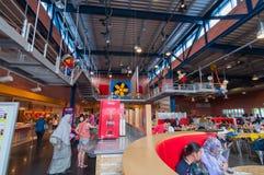 JOHOR - 14 NOVEMBRE : Cafétéria intérieur chez Legoland Malaisie le 14 novembre 2012 dans Johor Malaisie Photos stock