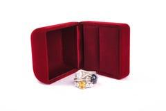 A joia dos anéis é popular com as meninas Um símbolo do amor e do th Fotografia de Stock Royalty Free