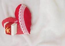Joia feito a mão no dia do ` s do Valentim Fotografia de Stock Royalty Free