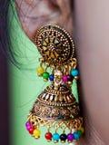 Joia indiana de tape?aria da orelha da mulher imagens de stock royalty free