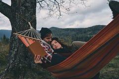 Joie simple d'être dans l'amour photo libre de droits