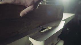 Joiner przetwarza workpiece drewniana deska spajać maszynę zdjęcie wideo