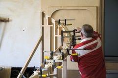 Joinery διαδικασία για ένα στρογγυλό κιγκλίδωμα στοκ φωτογραφία με δικαίωμα ελεύθερης χρήσης