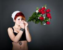 Joint de fumage de femme dans le jour de valentine Photographie stock