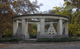 Jokai Mor& x27; s-gravvalv, i den Kerepesi kyrkogården Arkivbilder