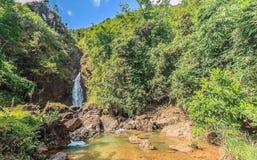 Jokkradin瀑布在皮带Pha Phum国家公园 免版税库存图片