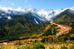 Jokul горы konka minya и Red River в Китае стоковое фото rf