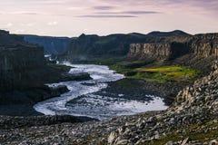 Jokulsa un canyon de Fjollum - de Dettifoss Photographie stock libre de droits