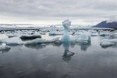 Jokulsarlon冰川盐水湖,冰岛 免版税库存照片