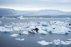 Jokulsarlon是一个大冰河湖在东南冰岛 免版税库存照片