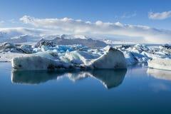 冰河jokulsarlon盐水湖 免版税图库摄影
