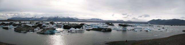 Jokulsarlon, bello paesaggio islandese con il ghiacciaio Immagine Stock Libera da Diritti