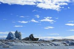 Jokulsarlon es un lago glacial grande en Islandia Foto de archivo
