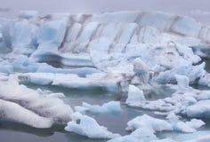 Jokulsarlon Island blå is royaltyfri bild